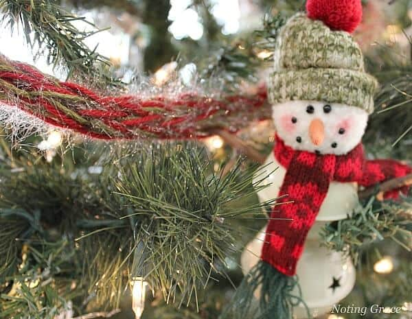 handmade christmas how to creatively decorate your tree when your budget is tight handmade