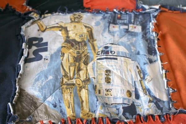How to make your own Star wars Bed that looks like it's hovering! This is an awesome tutorial!