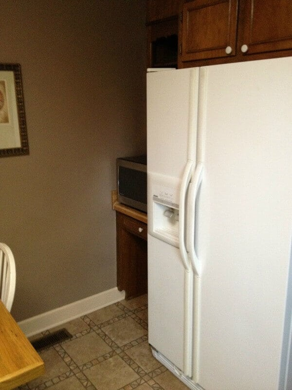 before of farmhouse kitchen makeover