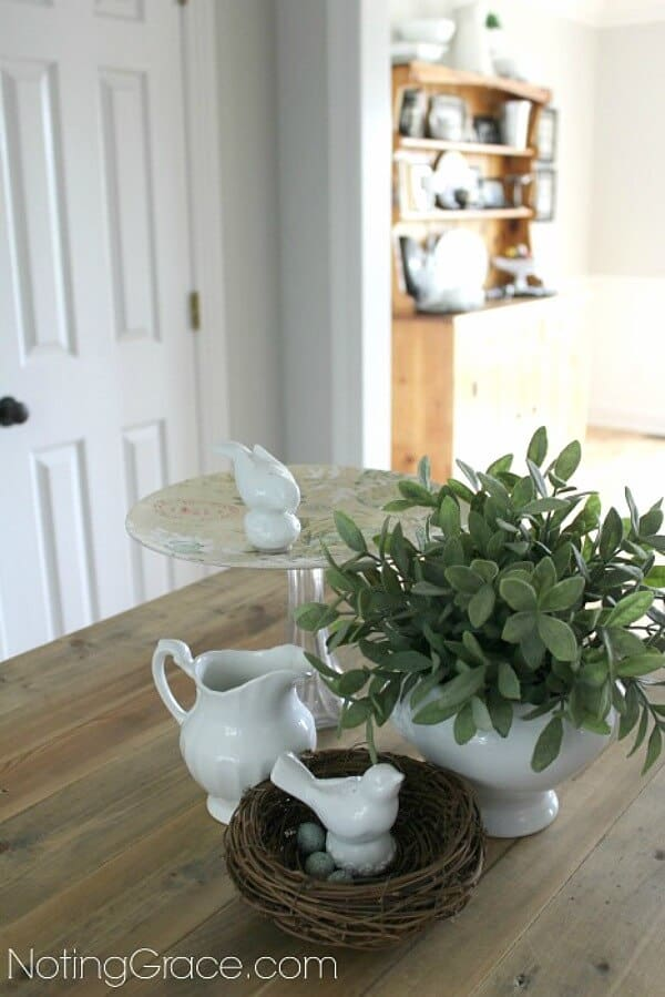 This Easy DIY Pie Plate is an inexpensive and quick project you can do to create custom decor.