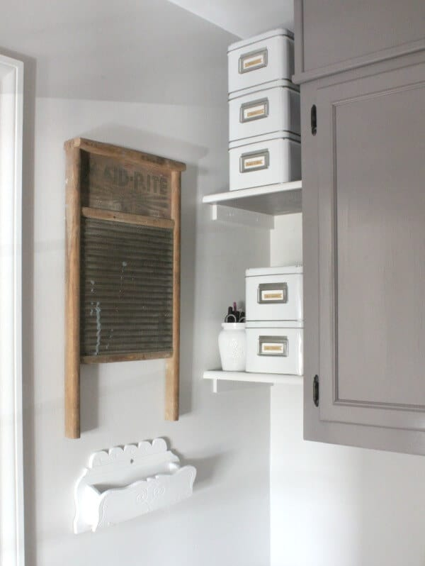 These homeowners transformed their dated laundry room into a gorgeous, vintage inspired mudroom! I love the drying rack!