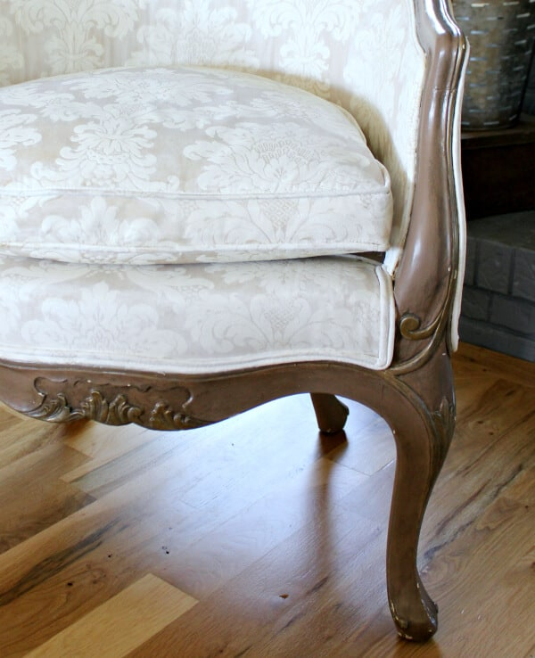 How to Paint a Fabric Chair- it's easier than you think!
