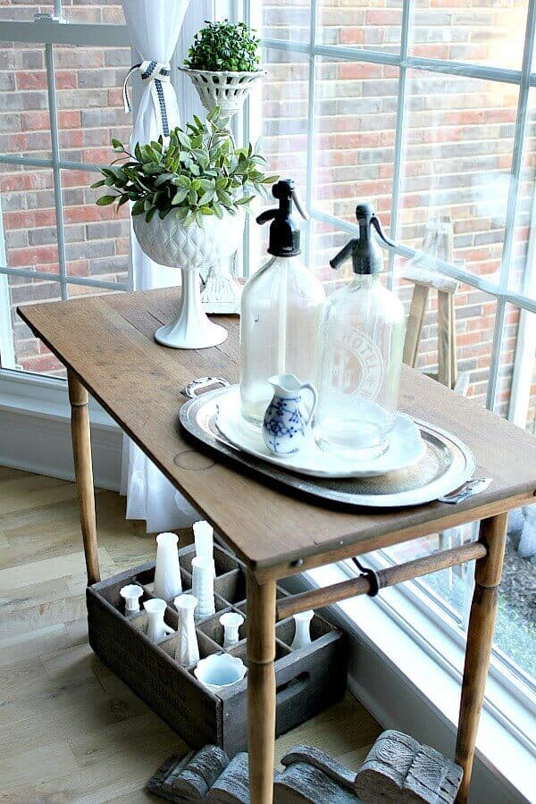 A Budget Friendly Dining Room Makeover - I'm sharing how I created a cozy dining space with a tiny budget!