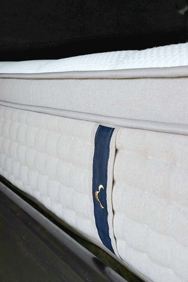 Our Dreamcloud Mattress review and why you shouldn't be afraid to buy online!