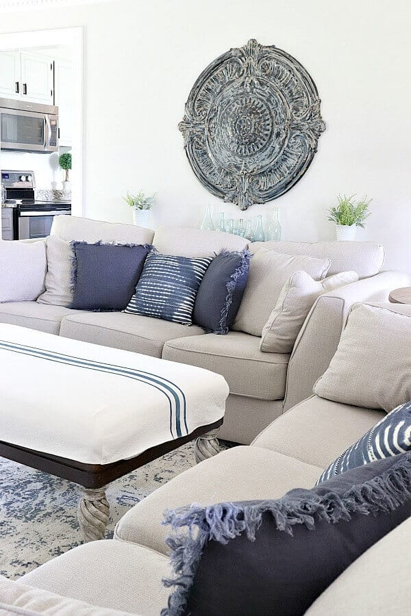 Decorating with your favorite color can add a new appreciation for your home. Join along with me for my Indigo Blue Summer Home Tour. #Bluehomedecor #indigoblue