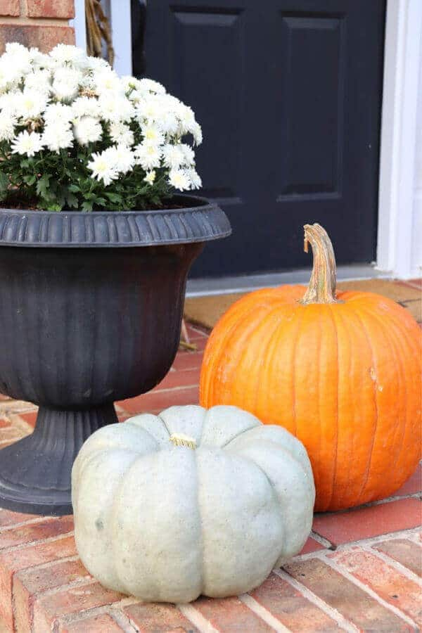This quick and easy fall porch is one you can style in just a few minutes