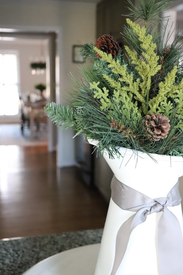 2018 Christmas Tour of Homes - 22 bloggers share all week long their homes for the holidays. Be inspired this season with all the beautiful room being linked up!