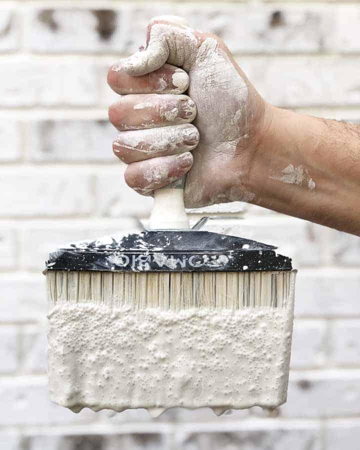 Romabio Paints Classico Limewash in Avorio White with Romabio Paints Masonry Brush
