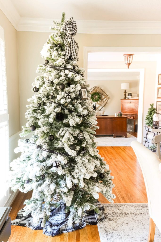 Casual Black White and Green Christmas Tablescape full tree