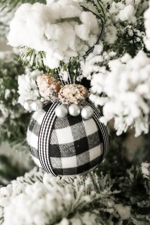Casual Black White and Green Christmas Tablescape Buffalo Check Ornaments