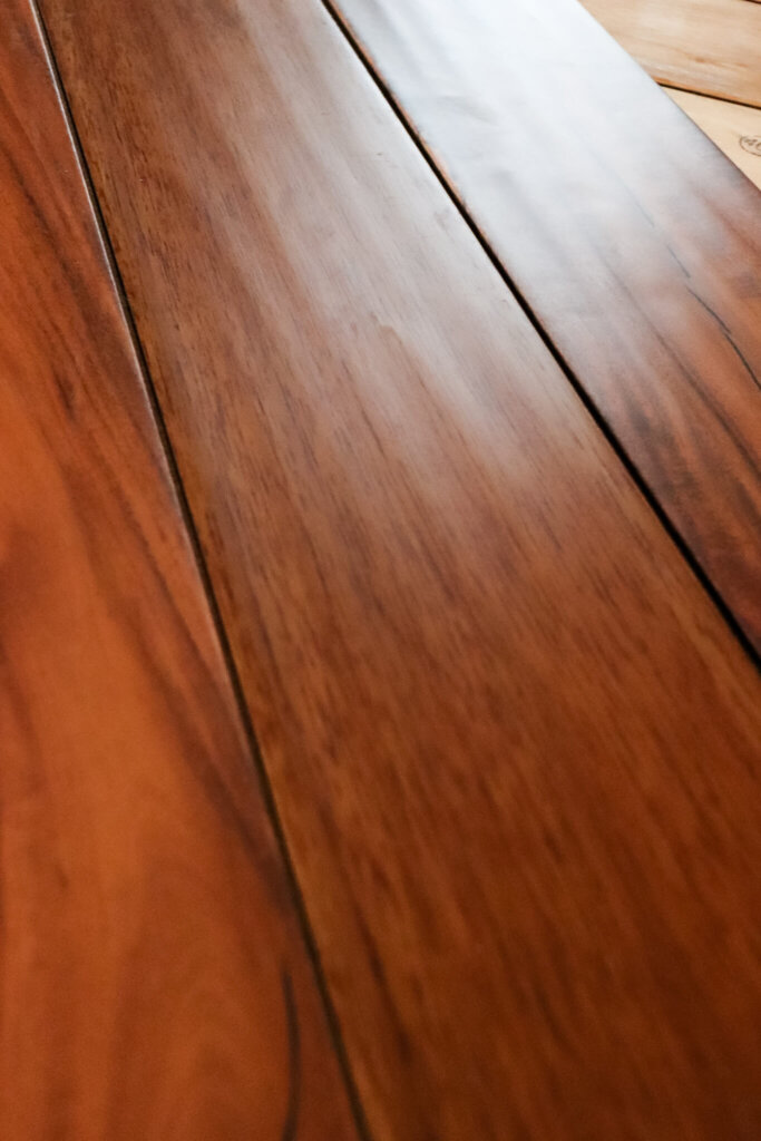 laminate flooring unclose