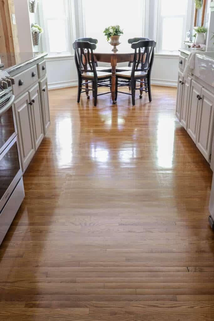 Hardwood floor restore DIY in just one afternoon