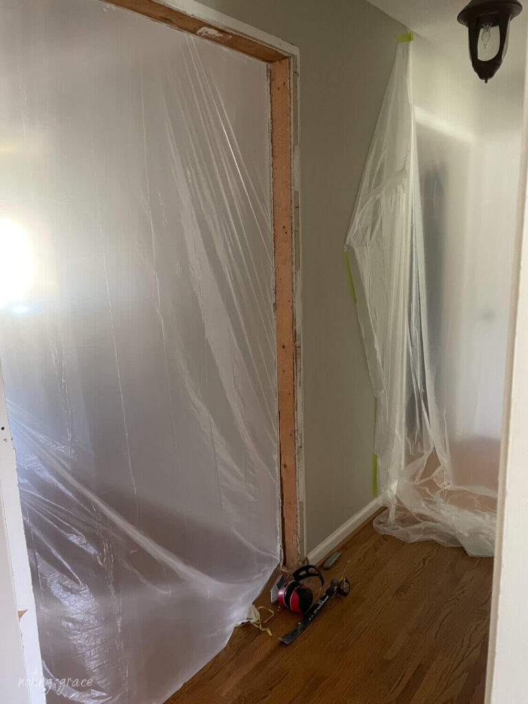 taping off walls to stop dust