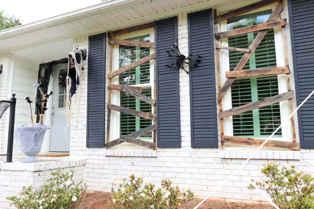 DIY Halloween boarded up windows