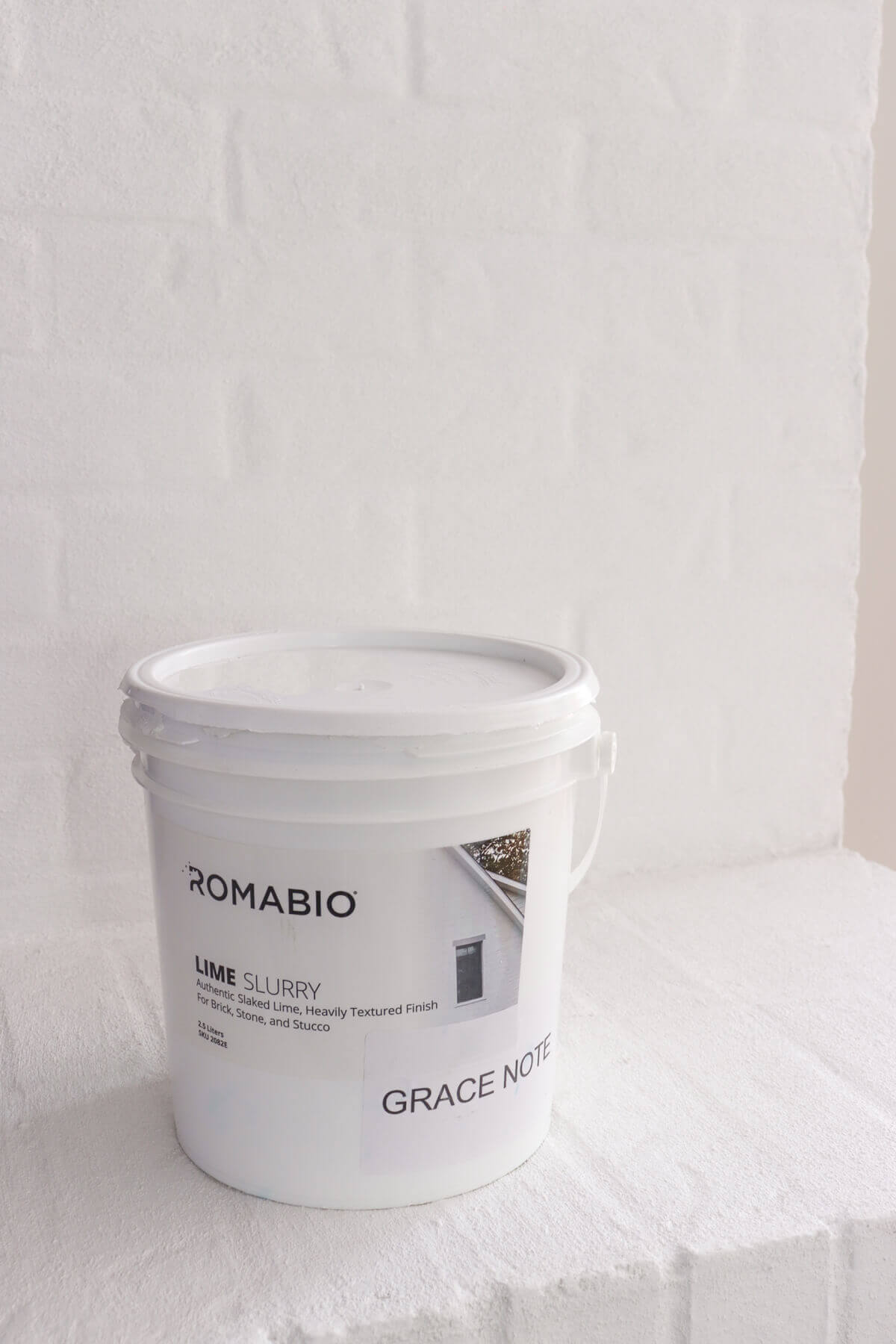 Romabio Lime Slurry Fireplace in Grace Note White