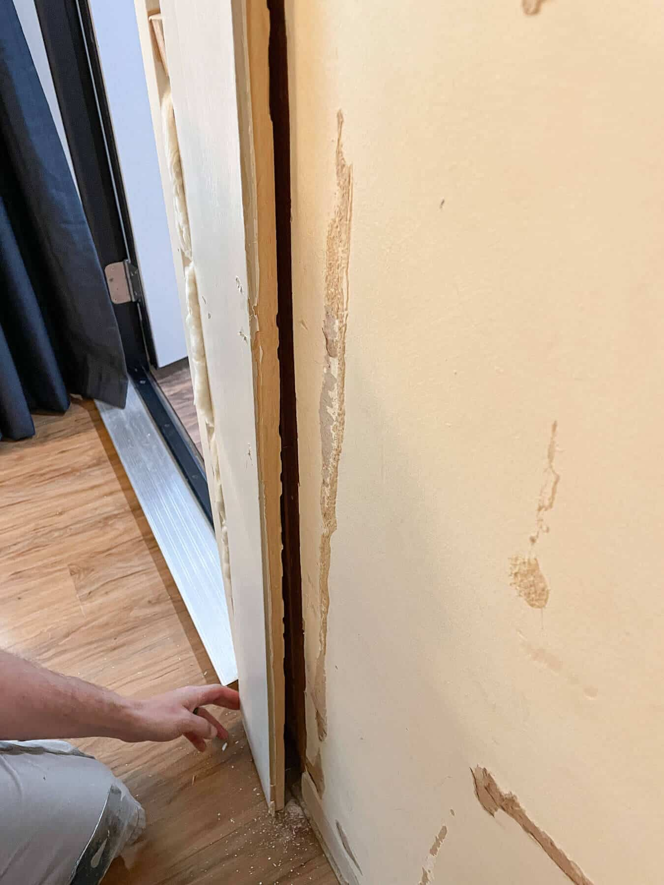 removing 1 x 6 trim from a wall